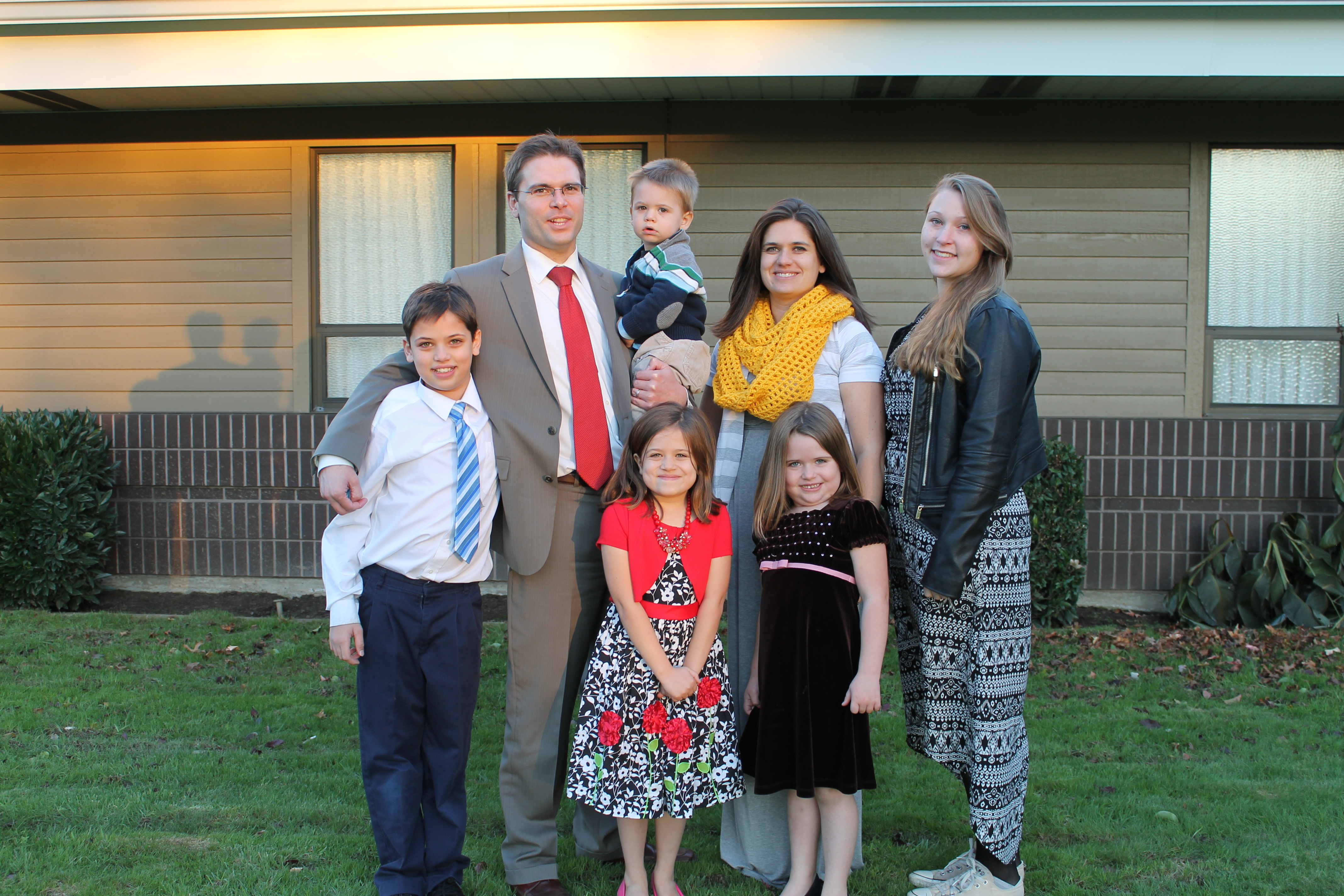 Rike From Germany With Her Host Family At Their Church In Washington