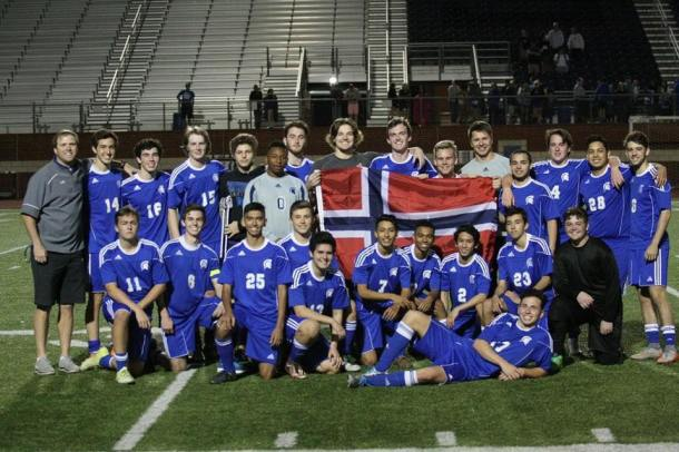 Andreas with his soccer team in Texas