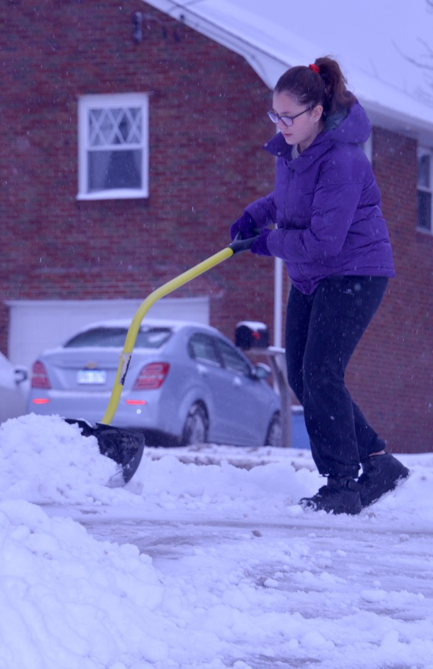 DSC_9436 Laura shovelling snow (1).jpg